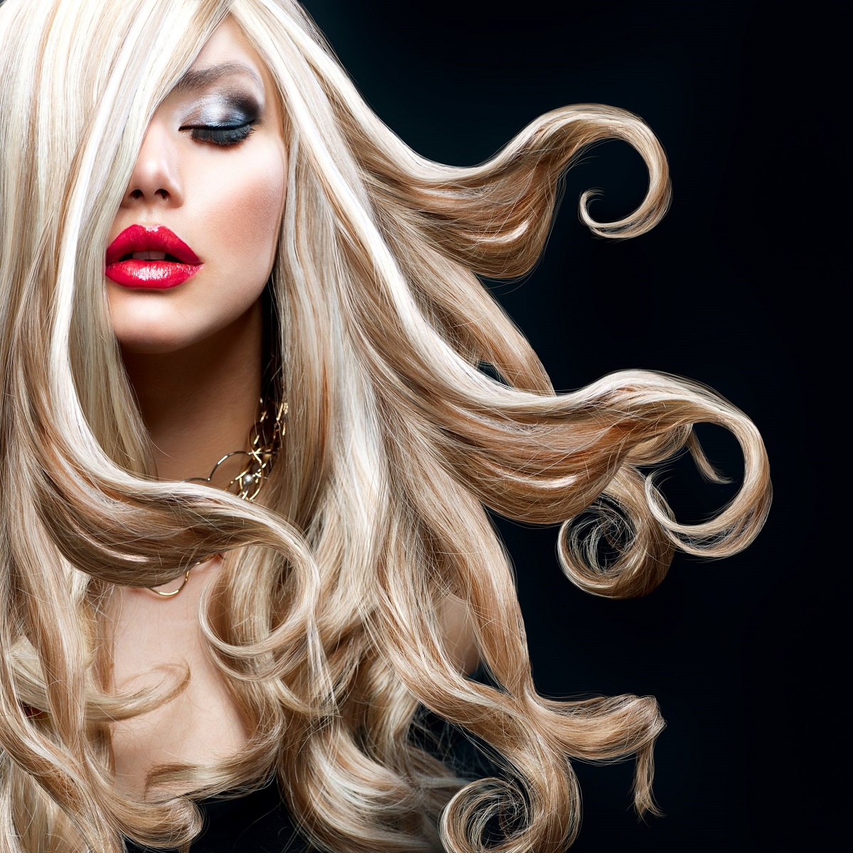 Impressive Blond Hair Styling!